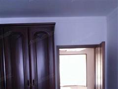 外滩小区 出售3室2厅1卫 125平 195万