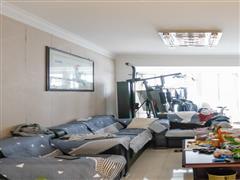 跃龙公寓 出售3室2厅2卫 164平 448万