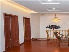 金辉花园 出售4室2厅2卫 144平 288万