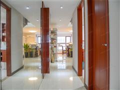 恒隆国际公寓 出售2室2厅1卫 70平 105万