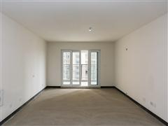南山国际社区 出售5室2厅2卫 143平 289.8万
