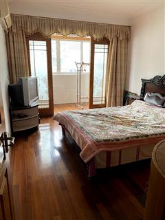 中兴花苑 出租3室2厅2卫 137平 2000元/每月