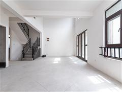 德庆苑 出售5室3厅5卫 200平 435.8万