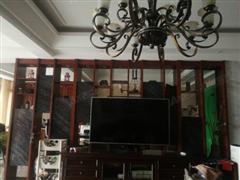 建华观园 出售4室2厅2卫 300平 580万