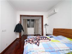 泰山公寓 出售3室2厅1卫 129平 150万