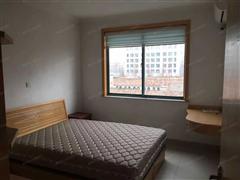 新园小区三期 出租3室2厅2卫 126平 1800元/每月