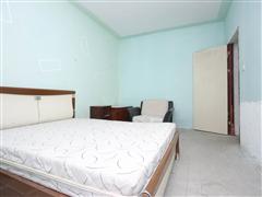 恒盛豪庭 出售4室2厅2卫 157平 255万