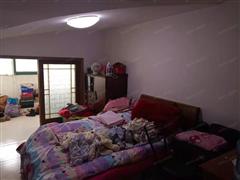 新盛小区 出售3室2厅1卫 103平 88万
