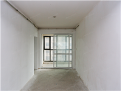 中港城 出售3室2厅2卫 130.59平 265万