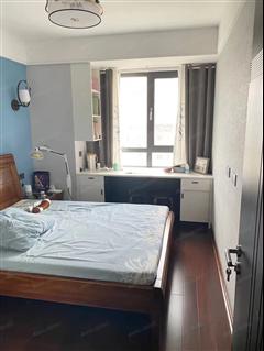 河畔花城 出售1室1厅1卫 124平 160万